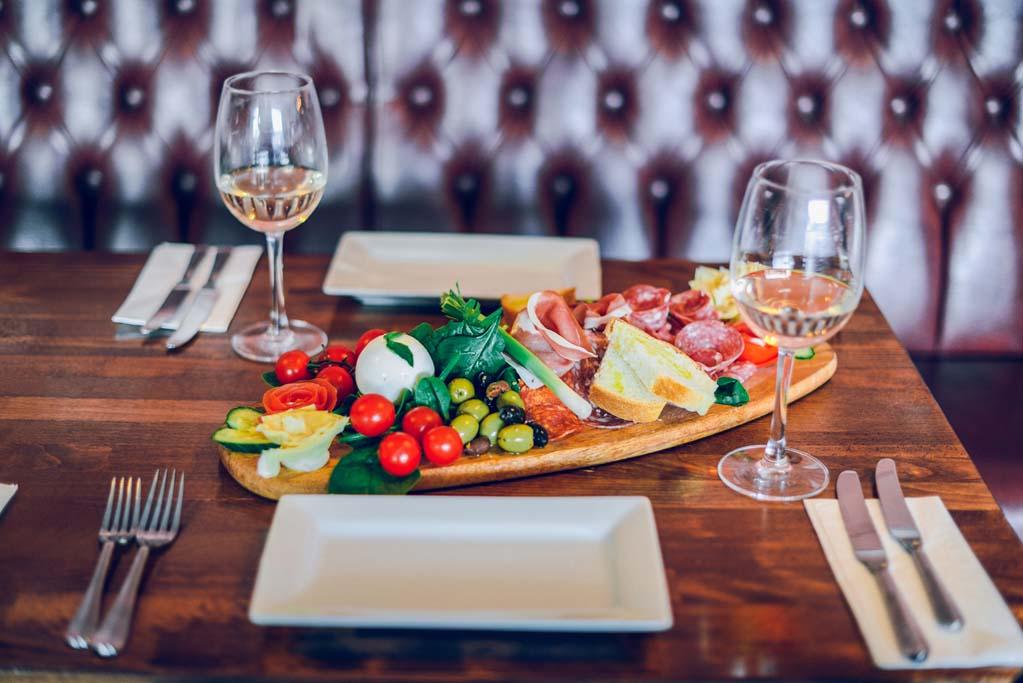 La Famiglia Italian Restaurant Gallery